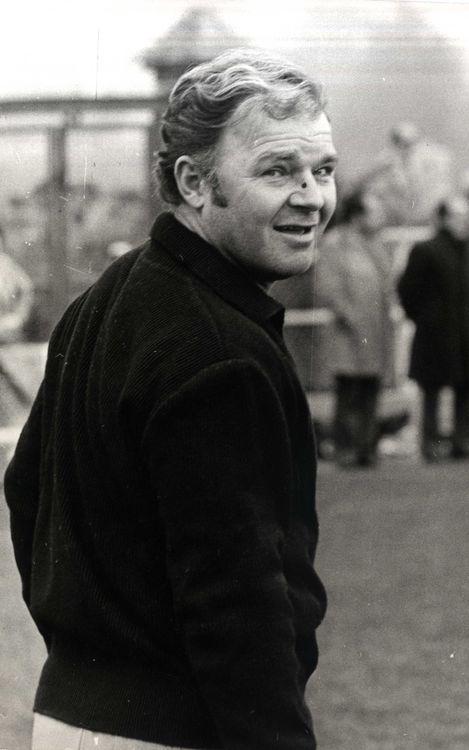 Ông cũng huấn luyện nhiều đội bóng khác trong đó có cả đội tuyển Tây Ban Nha.