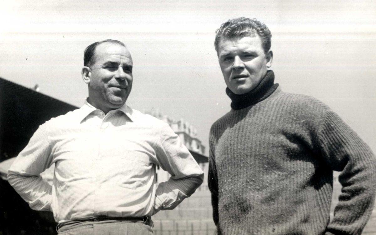 Josep Samitier mê đắm tài năng của Kubala khi đội bóng lưu vong người Hungary của ông đi du đấu Tây Ban.