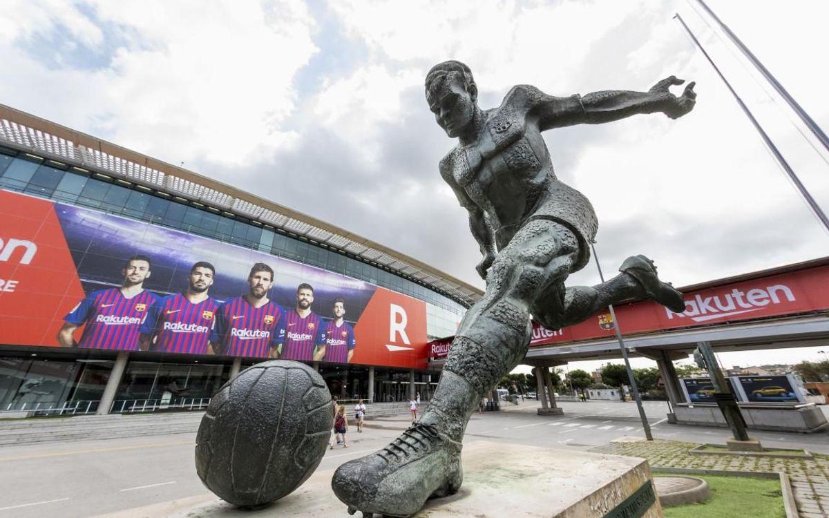 Ngày 24/9/2009, ai cũng có thể nhớ đến Kubala khi đến xem Barça đá vì bức tượng Kubala được chính thức khánh thành bên ngoài sân bóng.