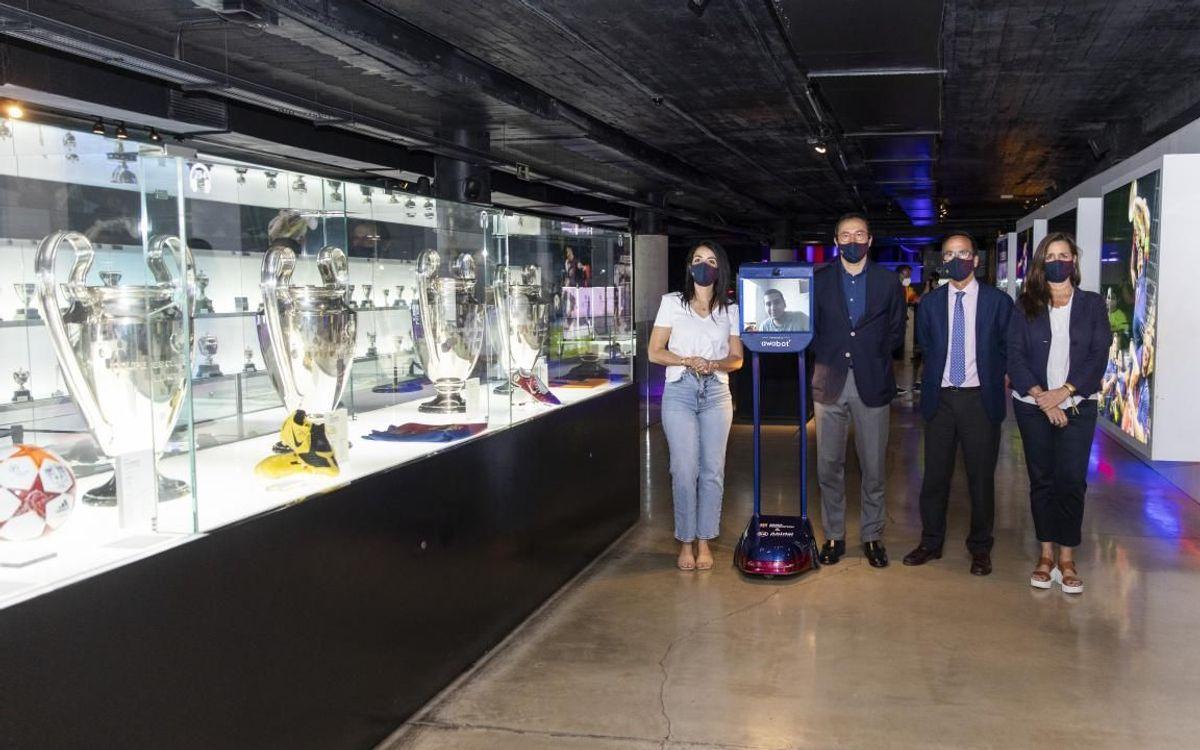 El Barça vuelve a abrir con Jorge, un niño ingresado en Sant Joan de Déu, y el Robot Pol, como primeros visitantes del Museo