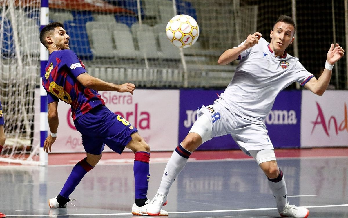 Barça - Llevant: S'esfumen les possibilitats de revalidar el títol de Lliga (2-3)