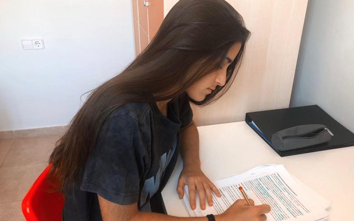 La Jana Fernández és jugadora del Barça Femení i vol estudiar Publicitat i Relacions Públiques