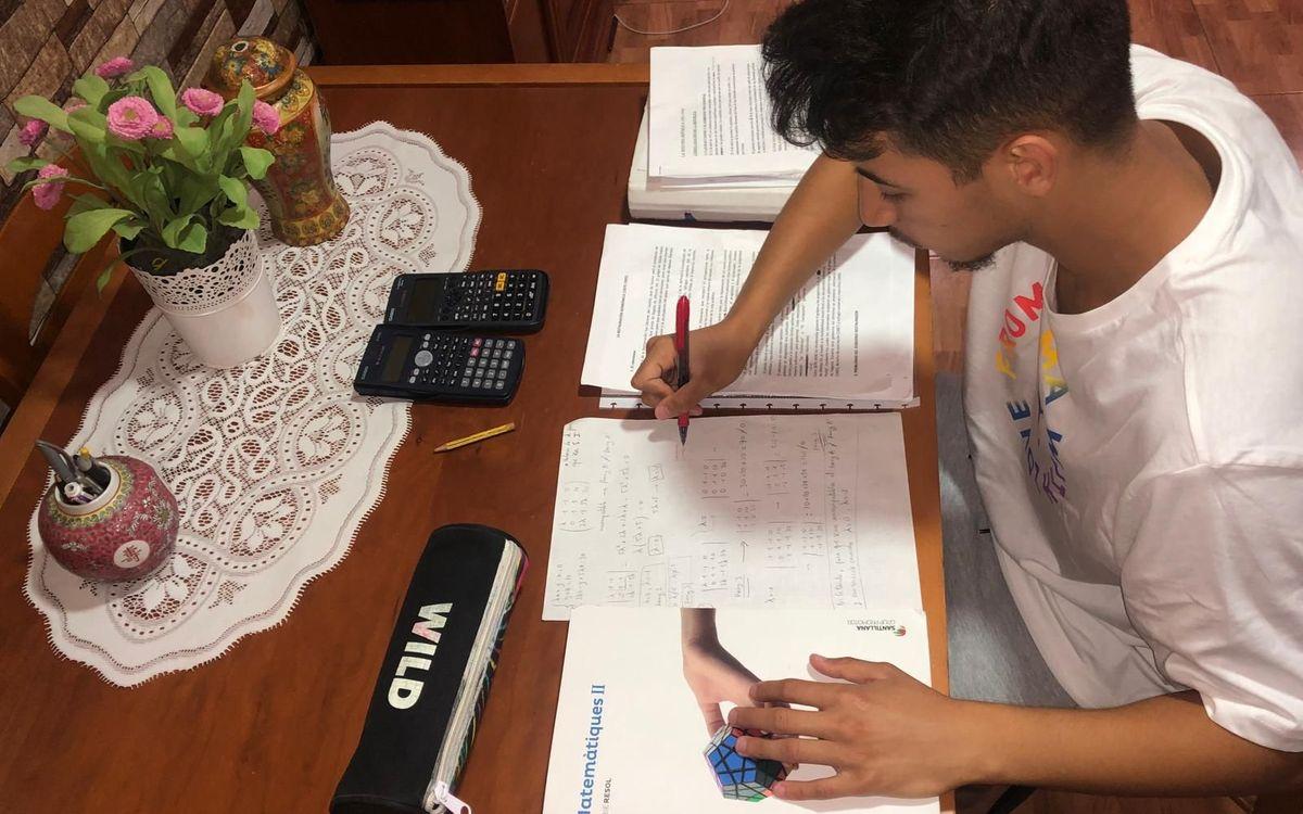 Zacarías Ghailan es jugador del Juvenil A y quiere estudiar ingeniería informática