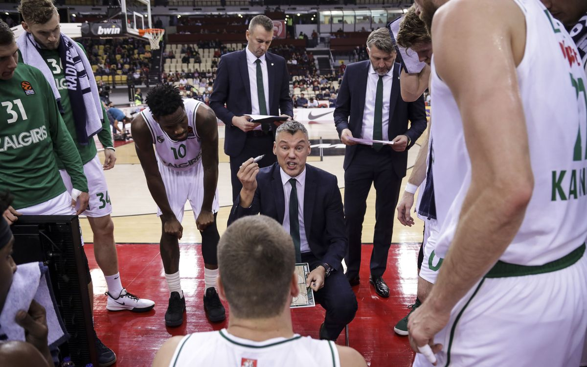 Saras Jasikevicius' staff confirmed
