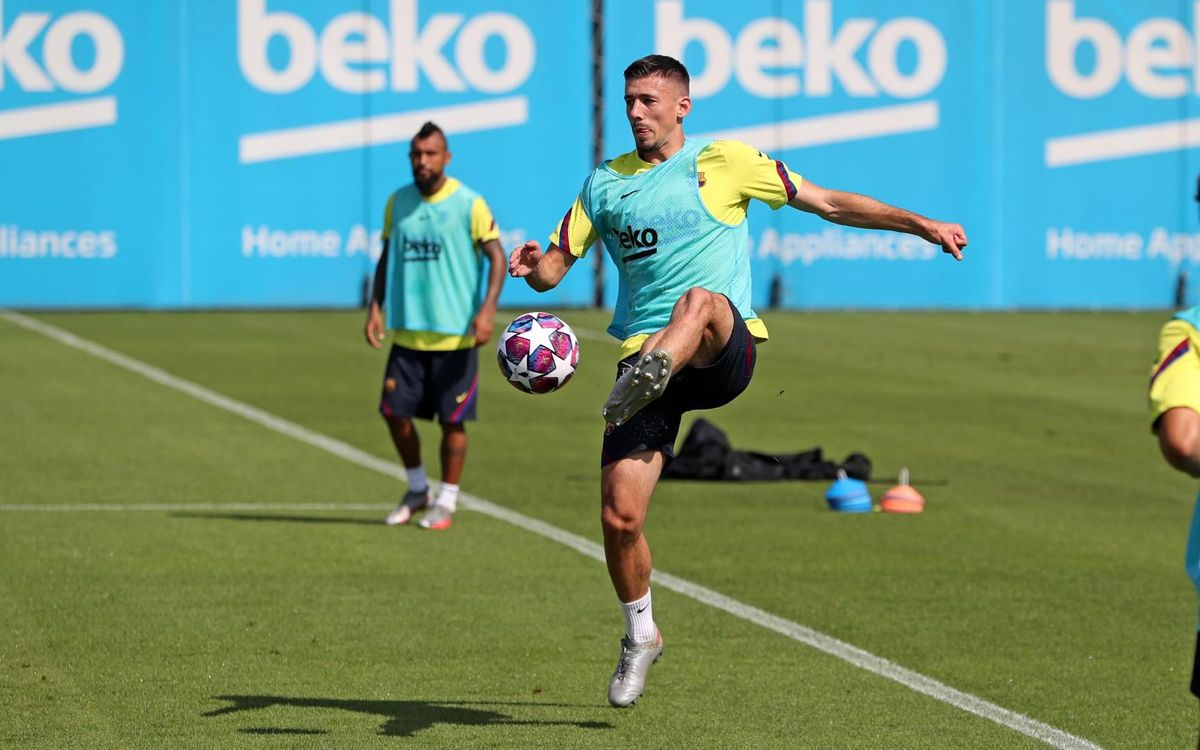 Lenglet trains with the group