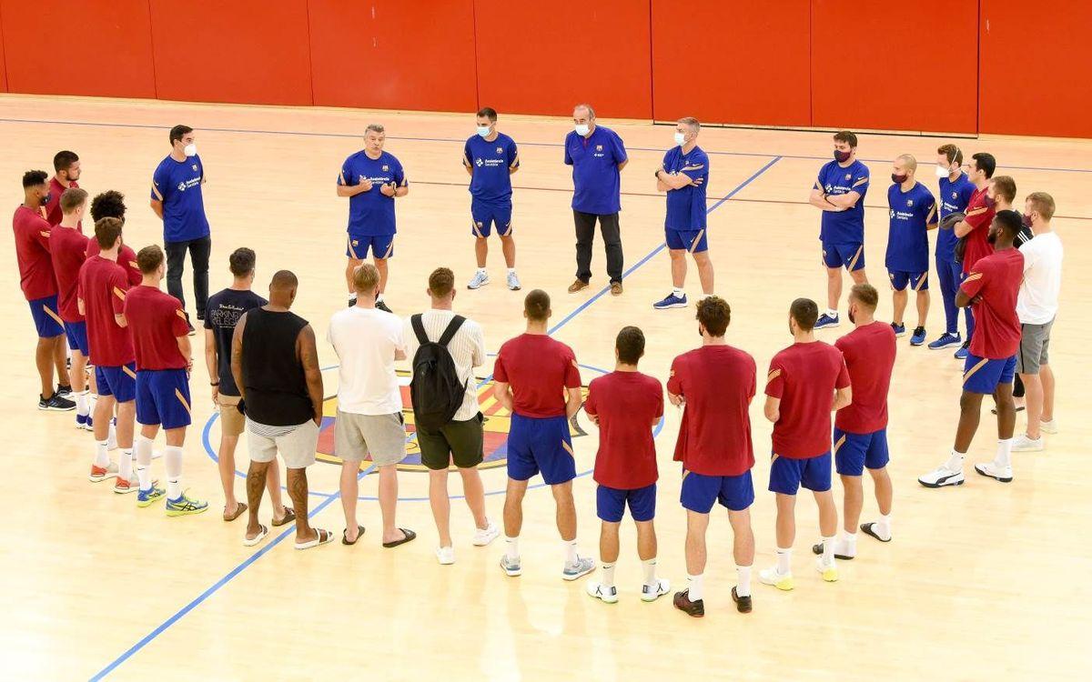El equipo se reencuentra antes de empezar a entrenar