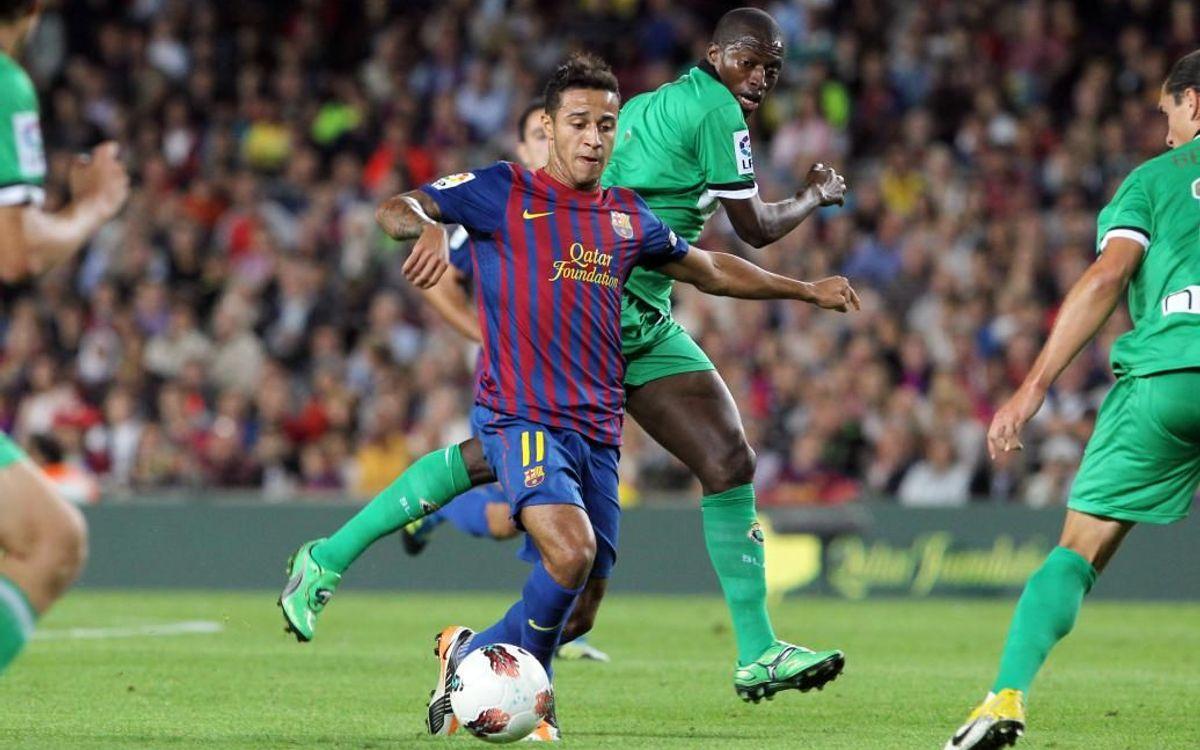 Thiago, jugando con el Barça.