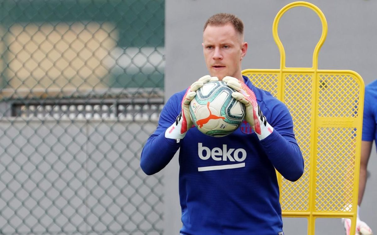 Ter Stegen to have treatment on patellar tendon