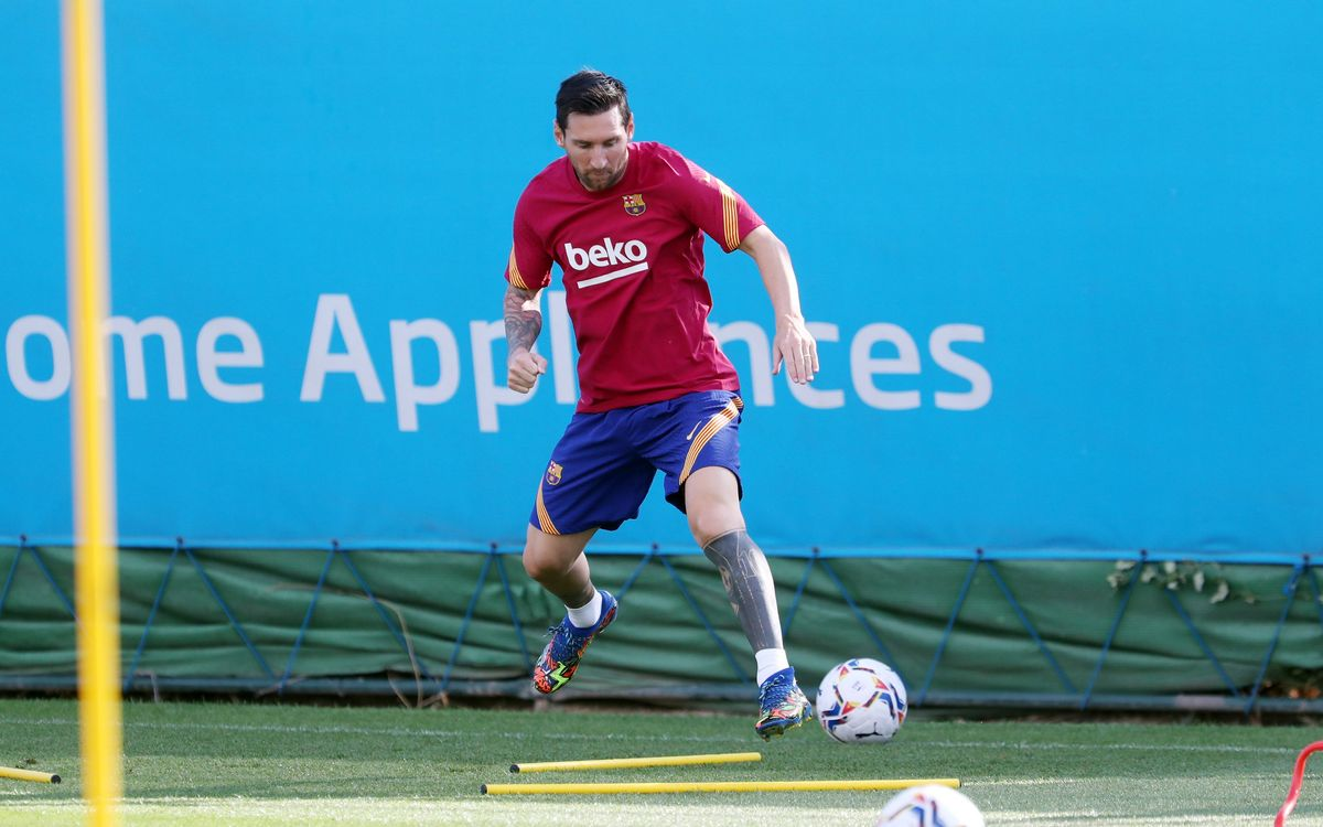 Messi joins preseason training