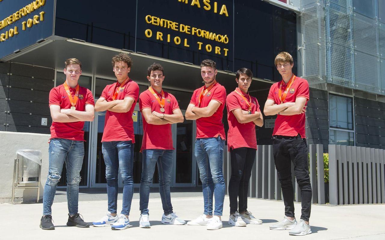 ¿Cuánto mide Eric Garcia? - Altura real: 1,79 - Real height Mini_JugadorsCampionsEuropaSub-17_VictorSalgado