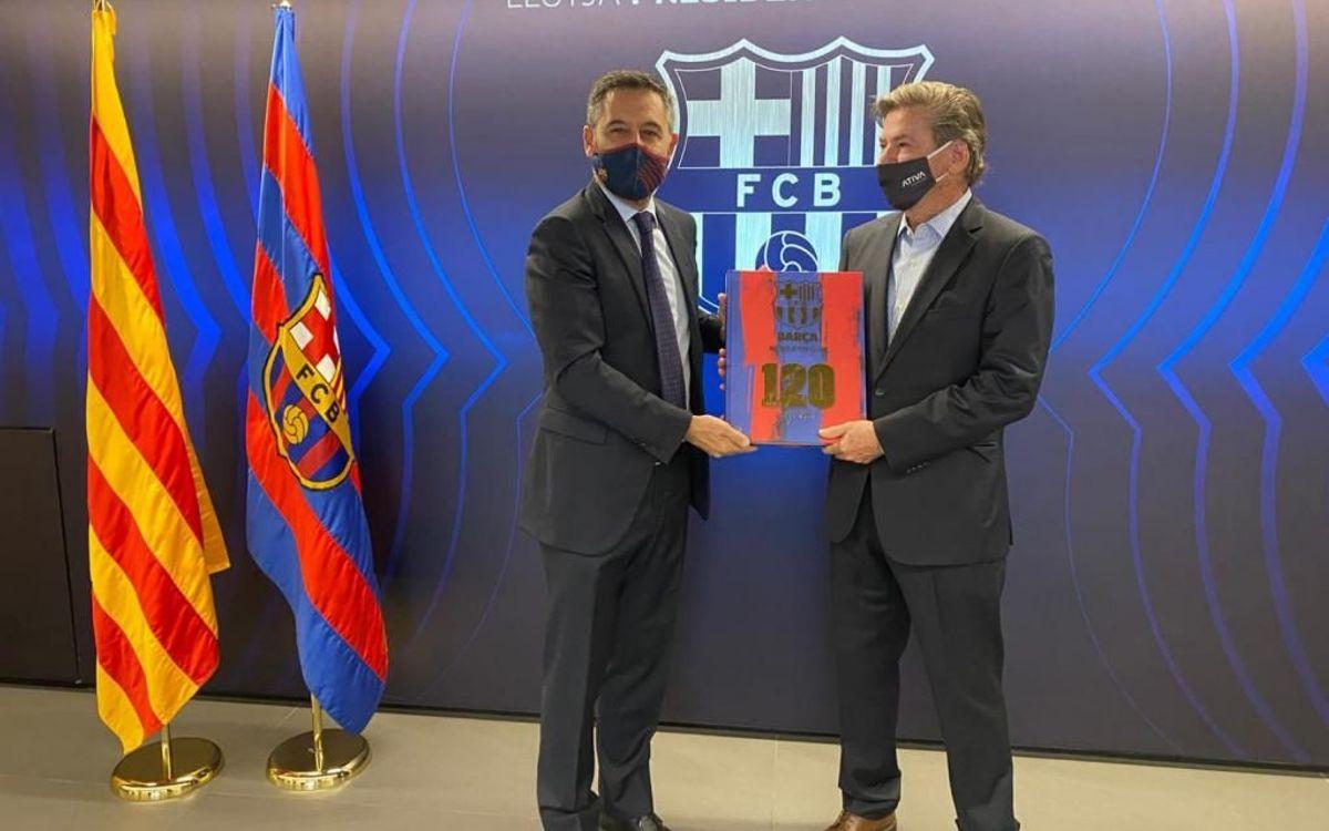Jorge Salgado visita el FC Barcelona