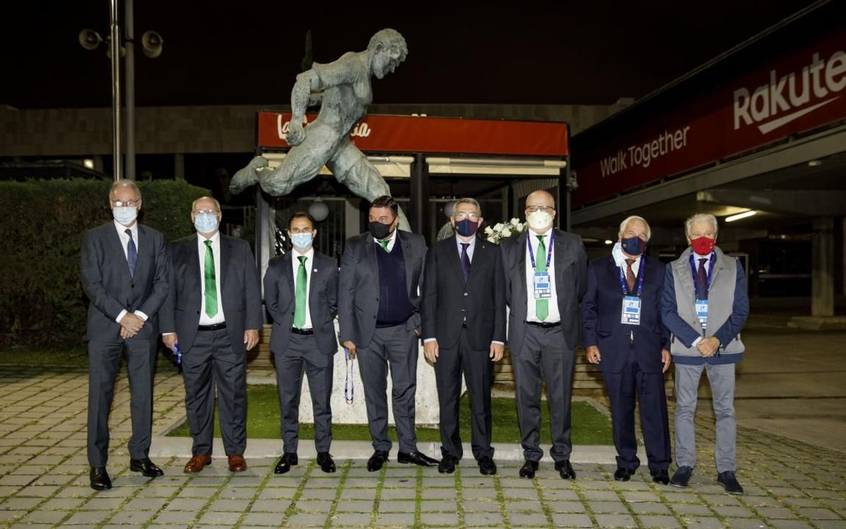 Barça and Ferencváros pay homage to Kubala