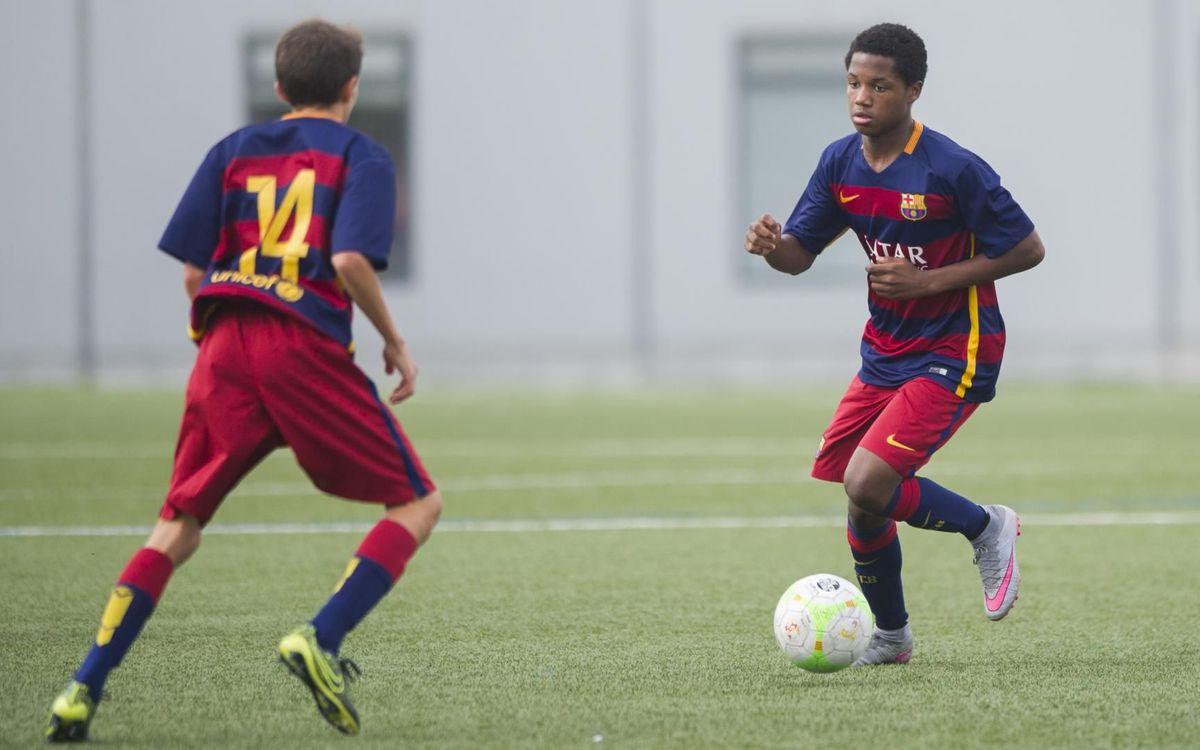Ansu Fati in action in a 'junior' Clásico!