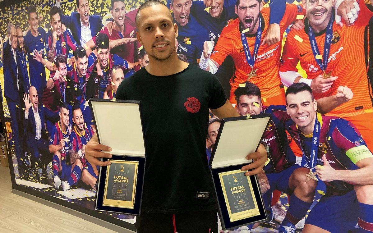 Ferrao recibe el premio al Mejor Jugador del Mundo