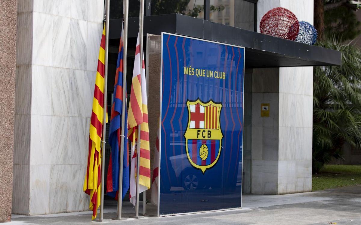 Camp Nou mourns Maradona