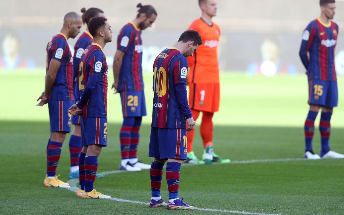 Emotivo recuerdo a Maradona en el Camp Nou