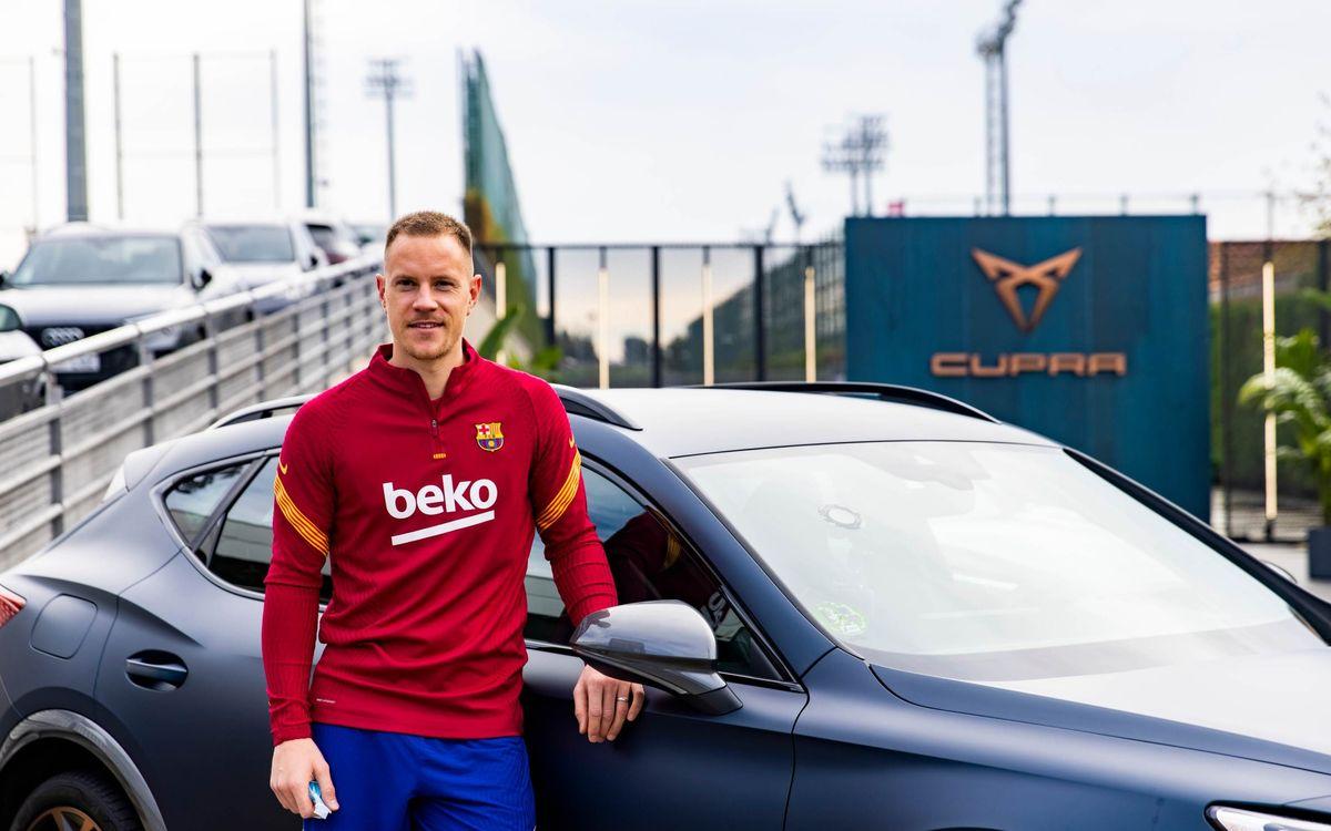 Barça players take control of their new CUPRAs
