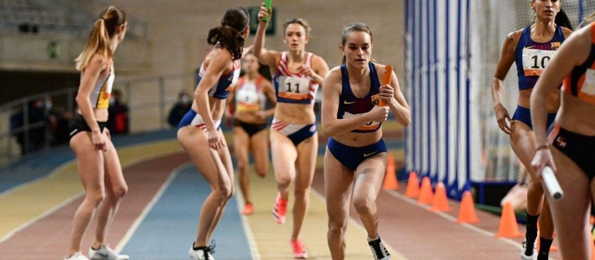 El equipo femenino se impone en el Catalán de Clubs de pista cubierta