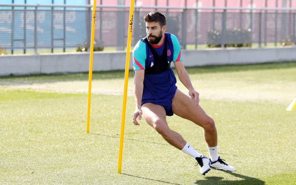 Piqué: 'Araujo is a great centre-back, he has it all'
