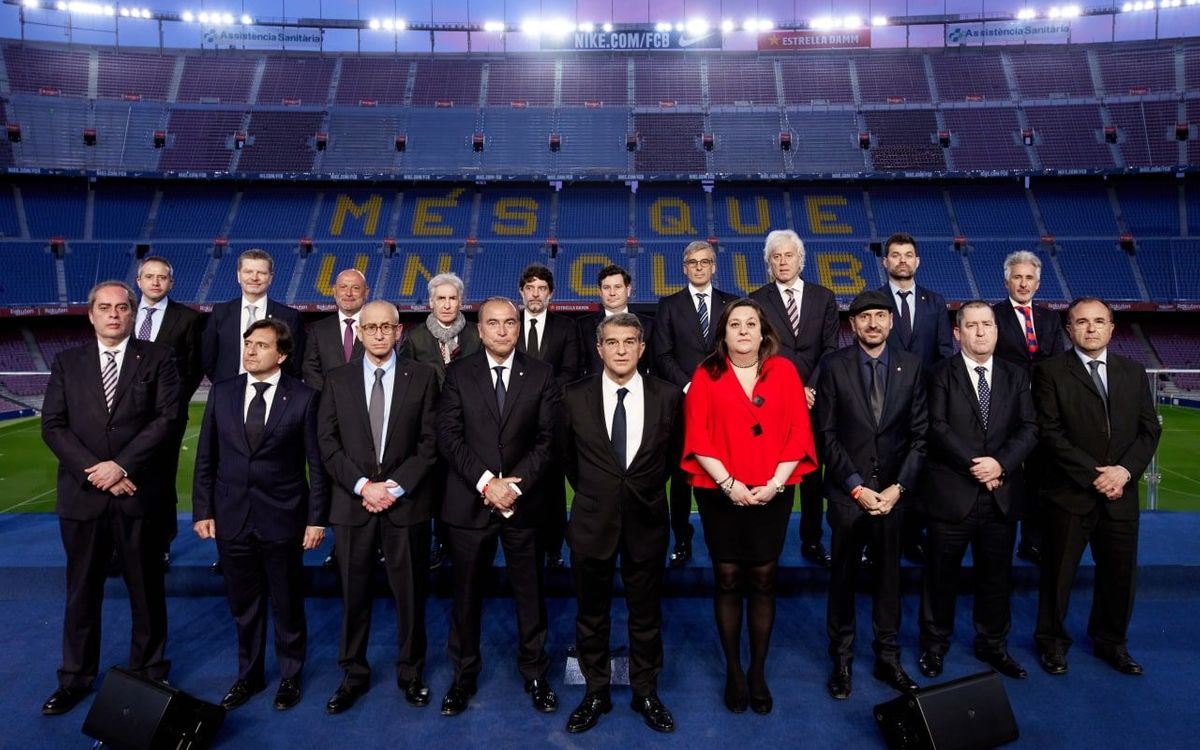 Joan Laporta takes office as FC Barcelona president