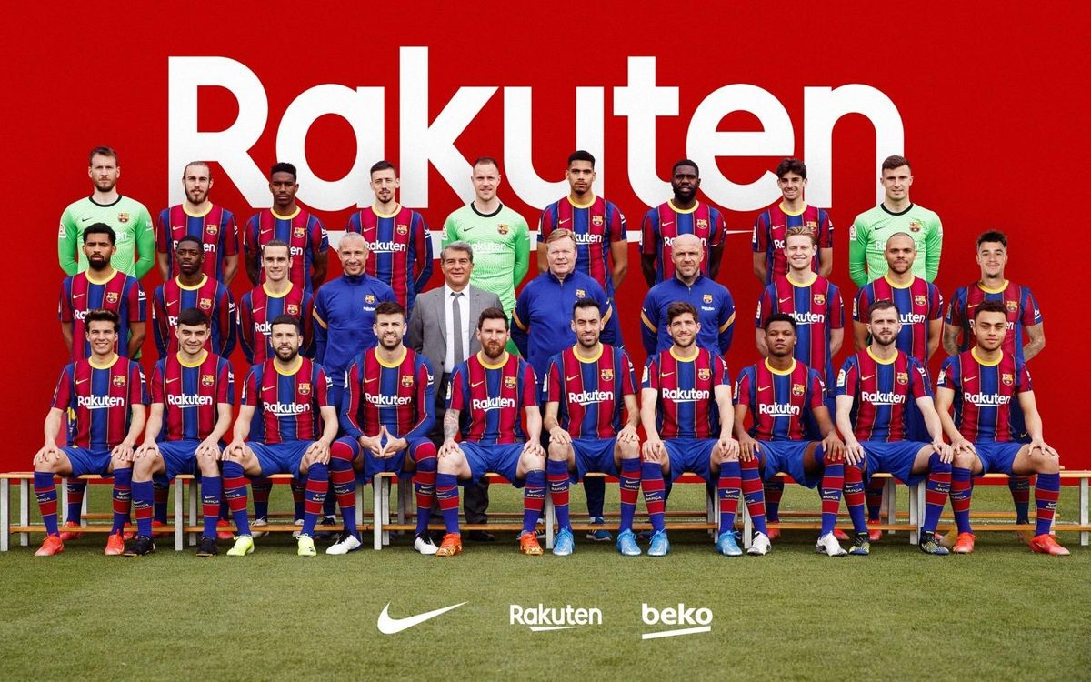 FC Barcelona pose for the official photo