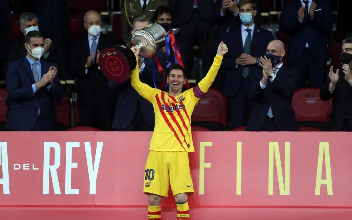Messi wins 35th trophy with Barça
