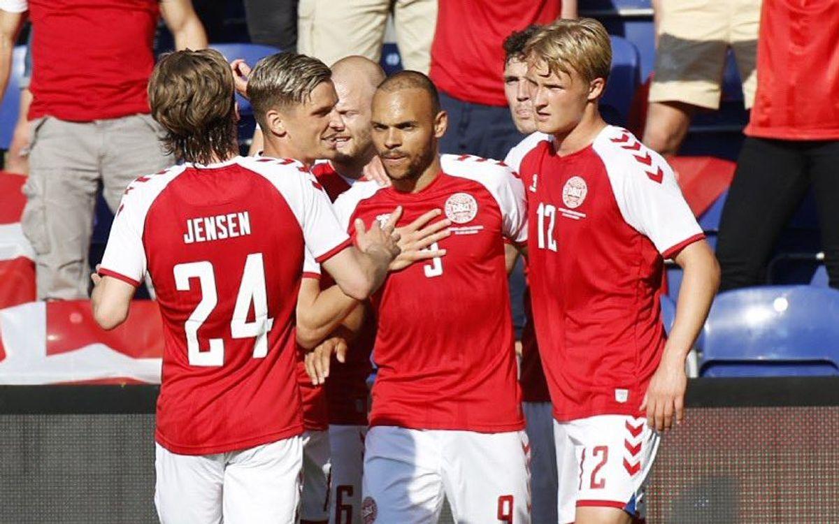 Martin Braithwaite marca con Dinamarca