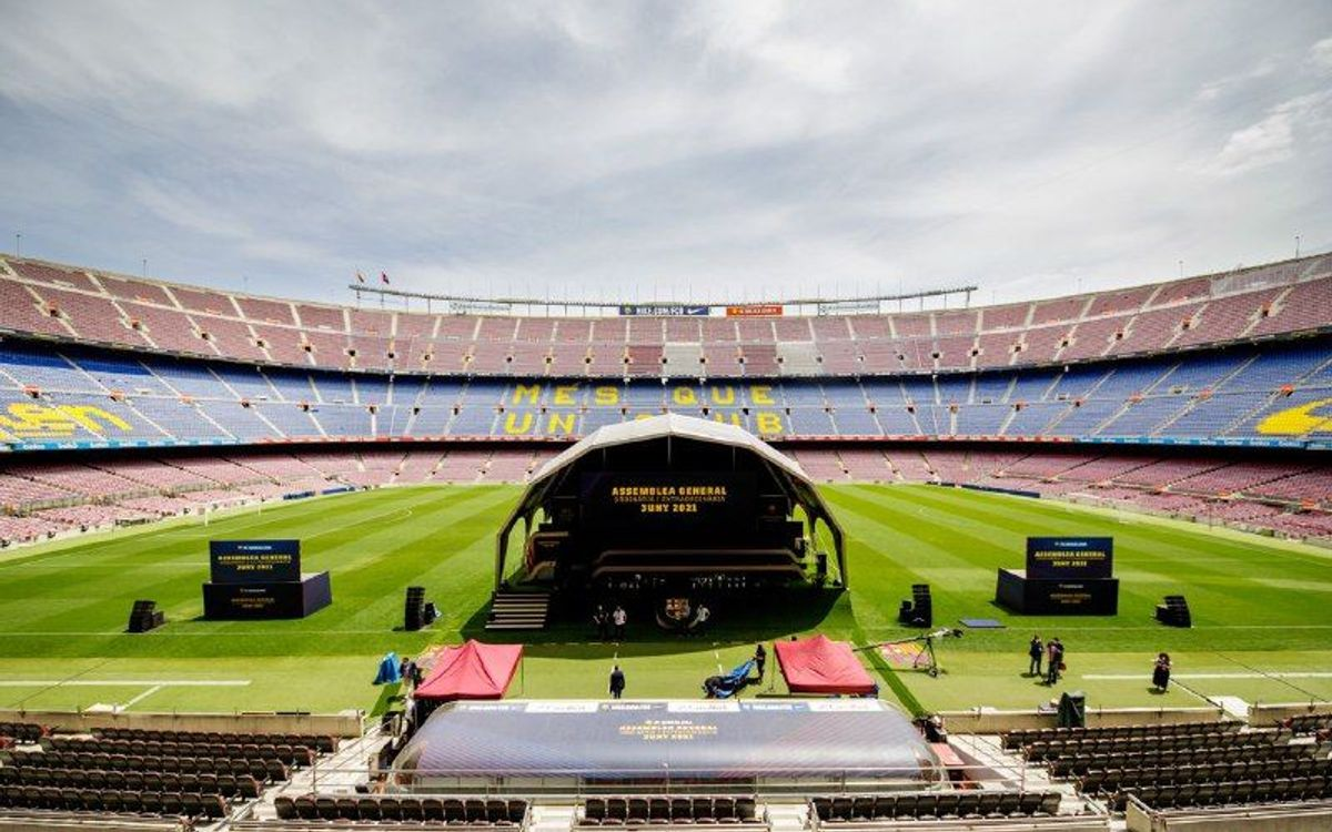 Live coverage of the FC Barcelona General Assembly