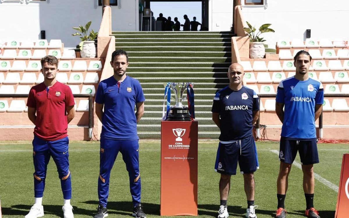 Fotografia oficial amb la Copa de Campions