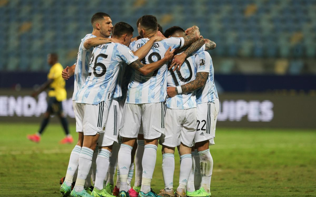 Argentina into Copa América semi-finals