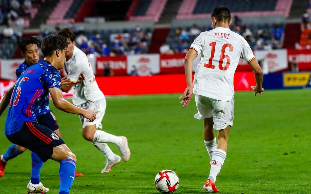 Pedri, Mingueza y Eric participan en el empate contra Japón