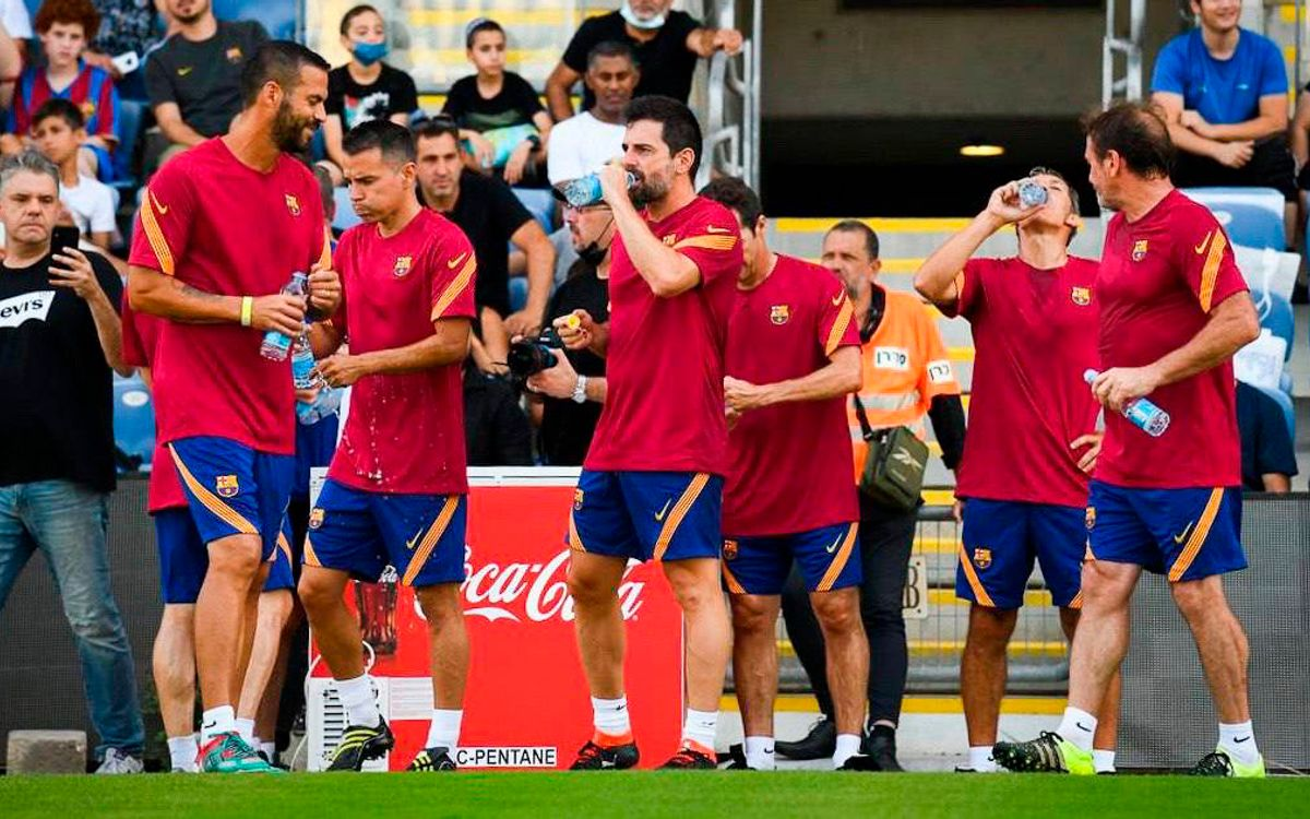 Solidarity and companionship as Barça Legends train for the Clásico