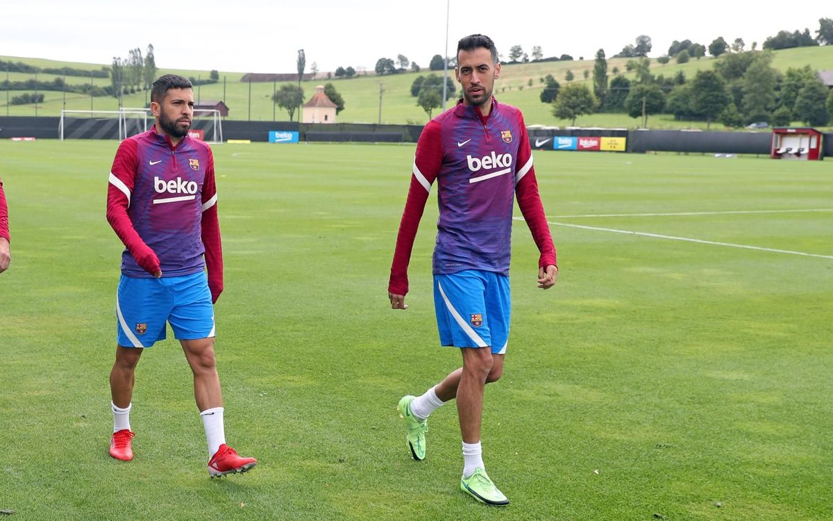 Sergio Busquets and Jordi Alba also help the Club to register team mates thanks to their salary cuts