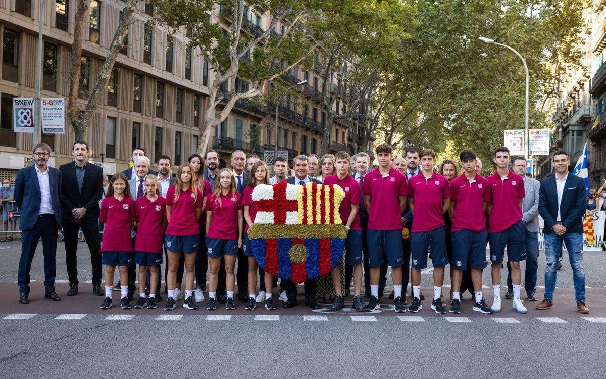 Diada 2021: la Agrupación en la ofrenda floral con el FC Barcelona