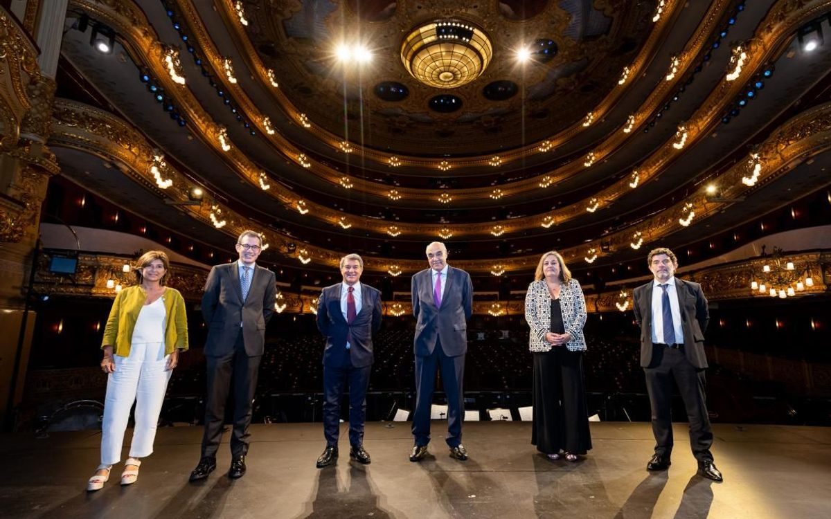 FC Barcelona supports the Liceu