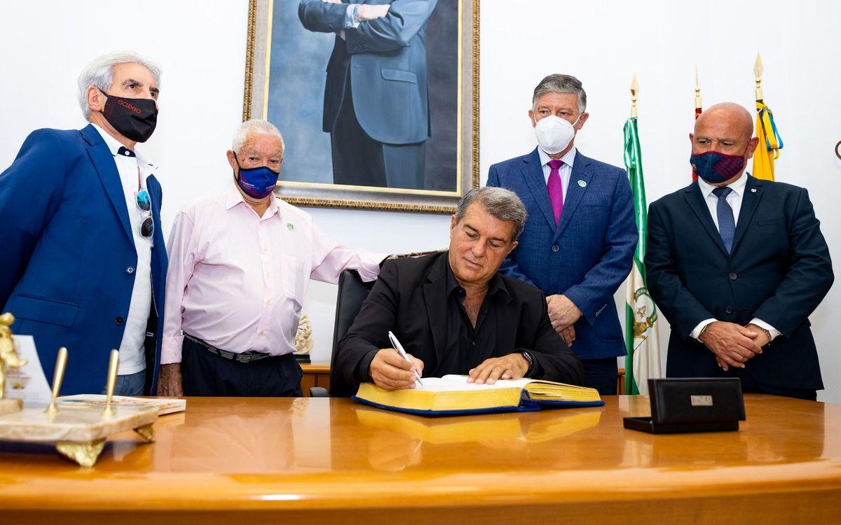 Joan Laporta es troba amb les penyes d'Andalusia