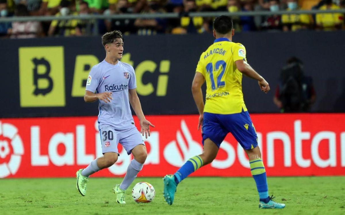 Gavi, durant el seu debut com a titular en el Cadis-Barça.