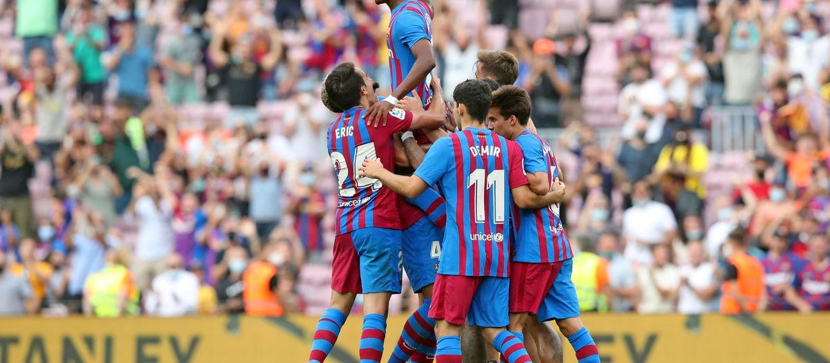 Barça - Llevant: Festa al Camp Nou (3-0)