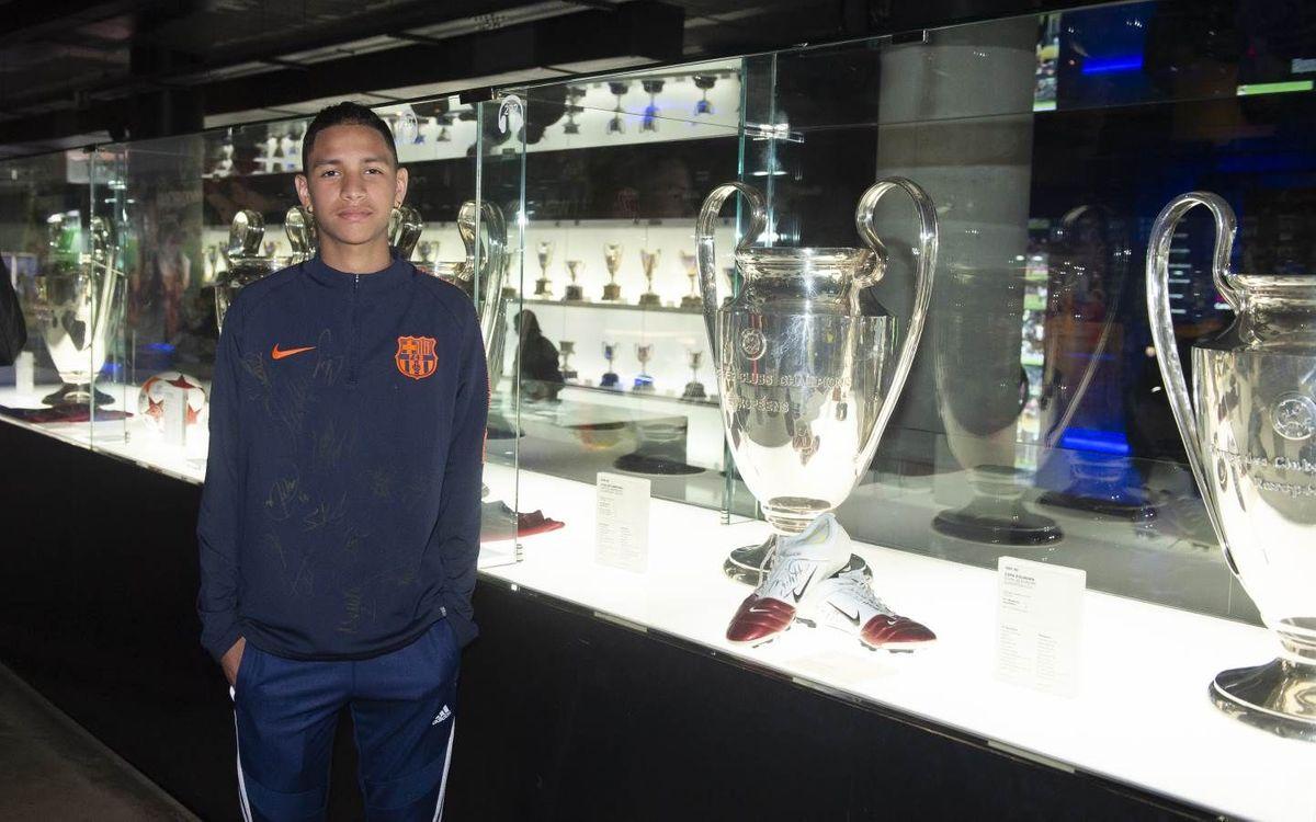 Anthony Borges visita el Museu