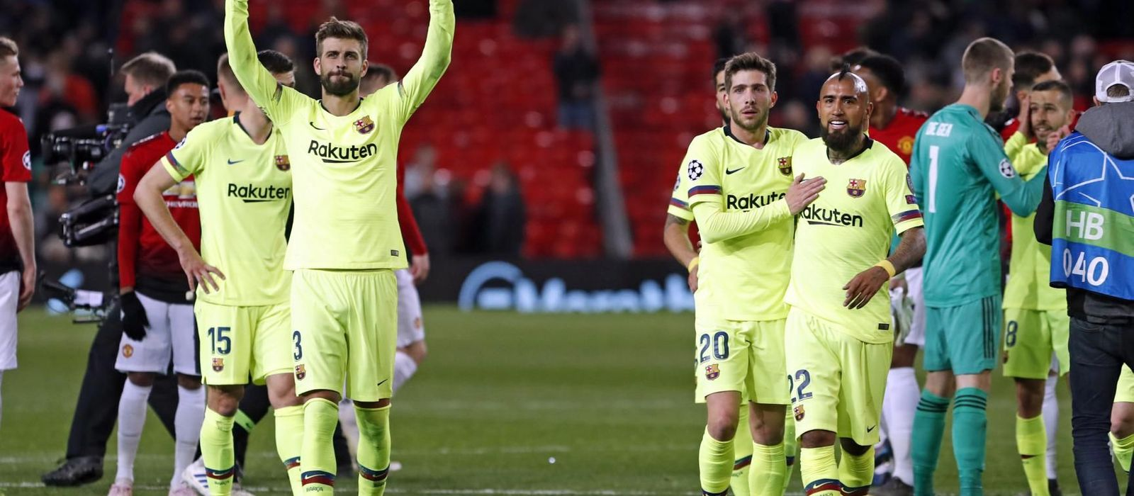 Piqué immense on his return to Old Trafford