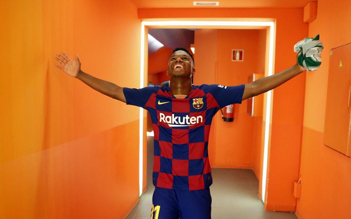صور مباراة : برشلونة - بيتيس 5-2 ( 25-08-2019 )  Mini_2019-08-26-OTRO-BARCELONA-BETIS-19