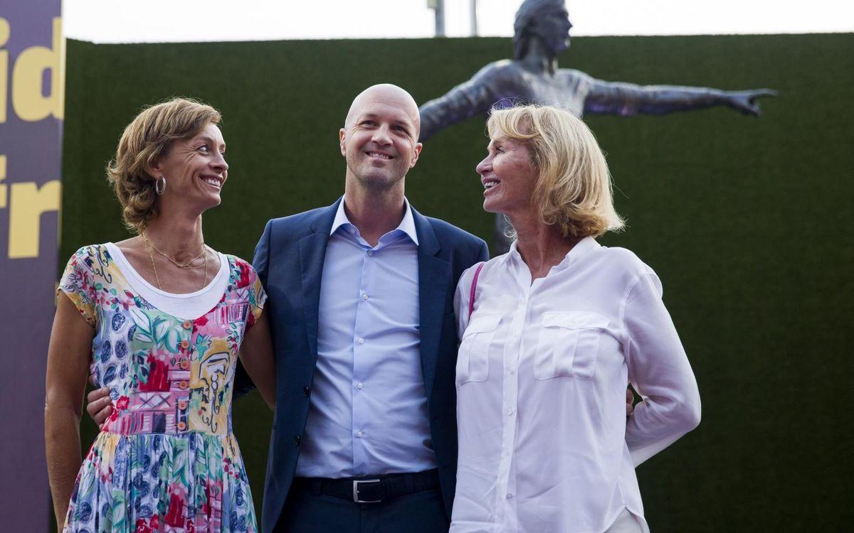 Danny Cruyff, esposa de Cruyff, y sus hijos Susila y Jordi Cruyff